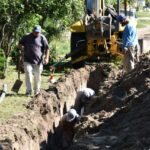 ESQUINA: Continua la prolongación del servicio de agua en la ciudad